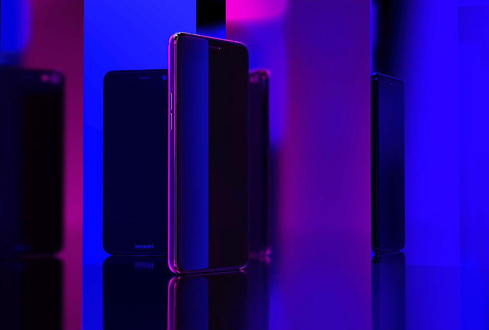 Hisense A2Pro con pantalla dual.