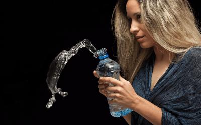 Siempre hidratado con la botella inteligente Ozmo Active
